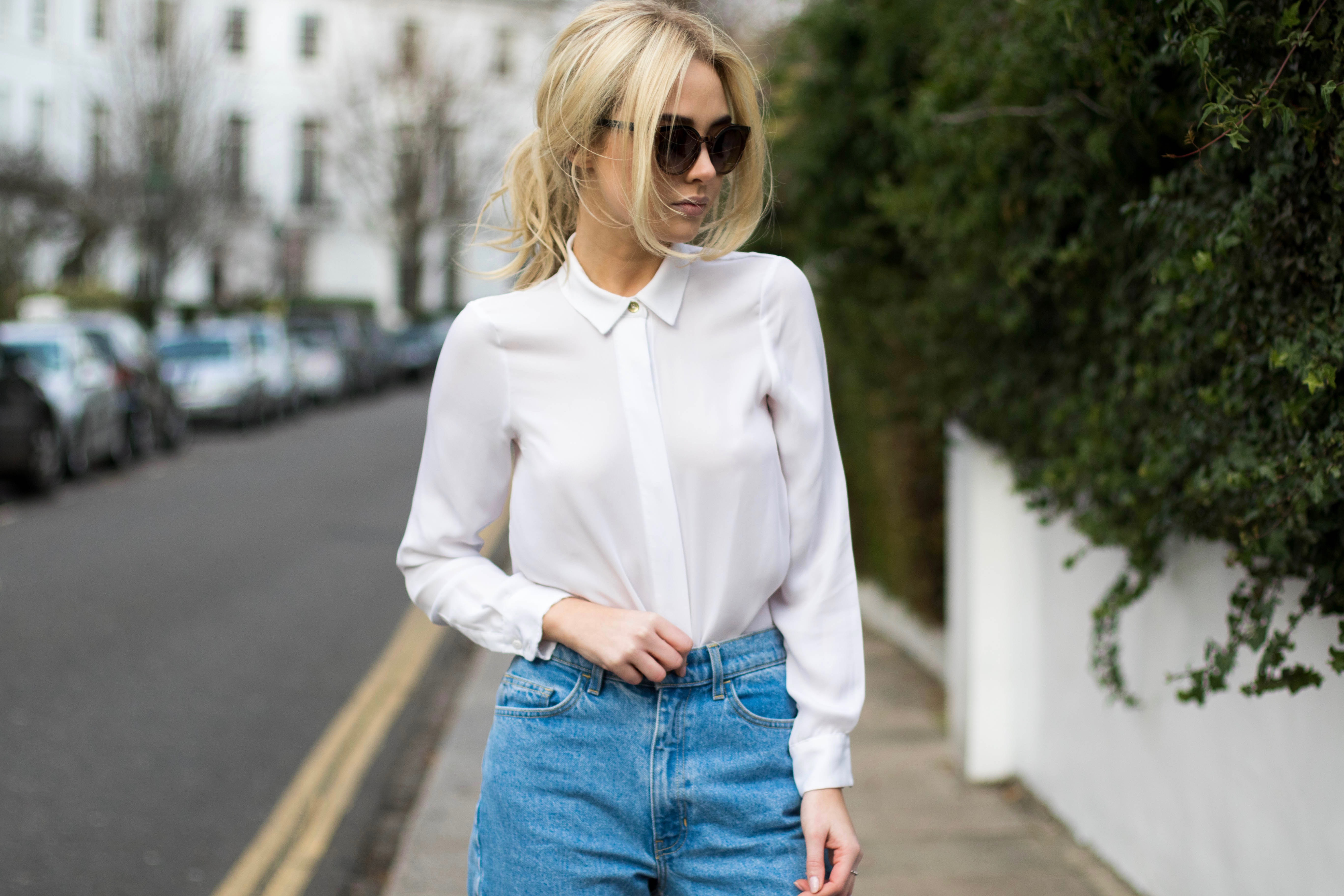 1201fb9667 I LOVE A MOM JEAN. These guys are from BrandyMeliville. I love a crisp  white shirt, keeping white is a STRUGGLE, my Irish skin doesn't tan as well  as I ...